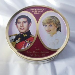 Vintage Candy Tin - Royal Wedding Collection
